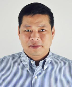 上海千盛服装有限公司 董事长 林国伟图片